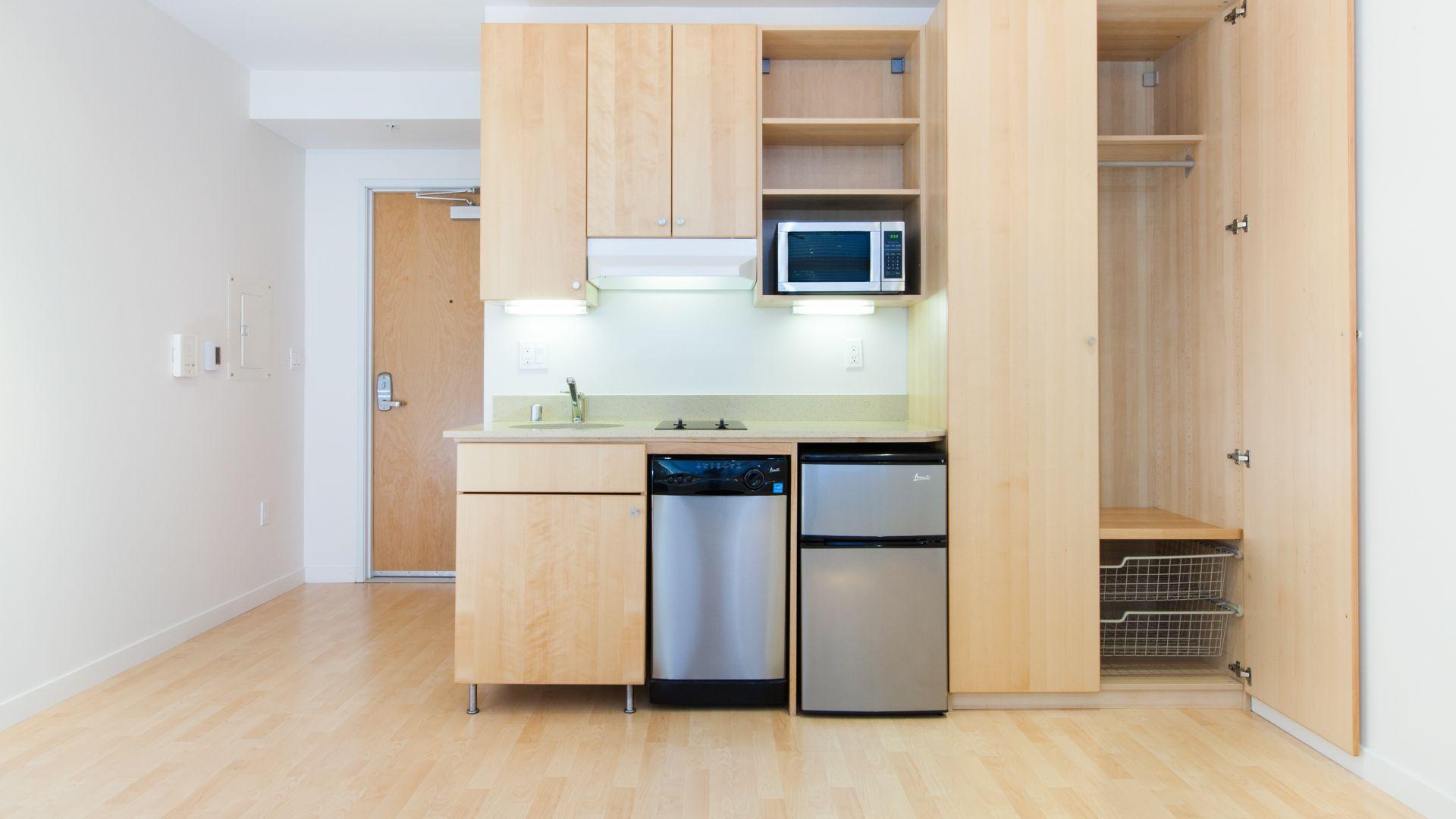 77 Bluxome Apartments - Kitchenette