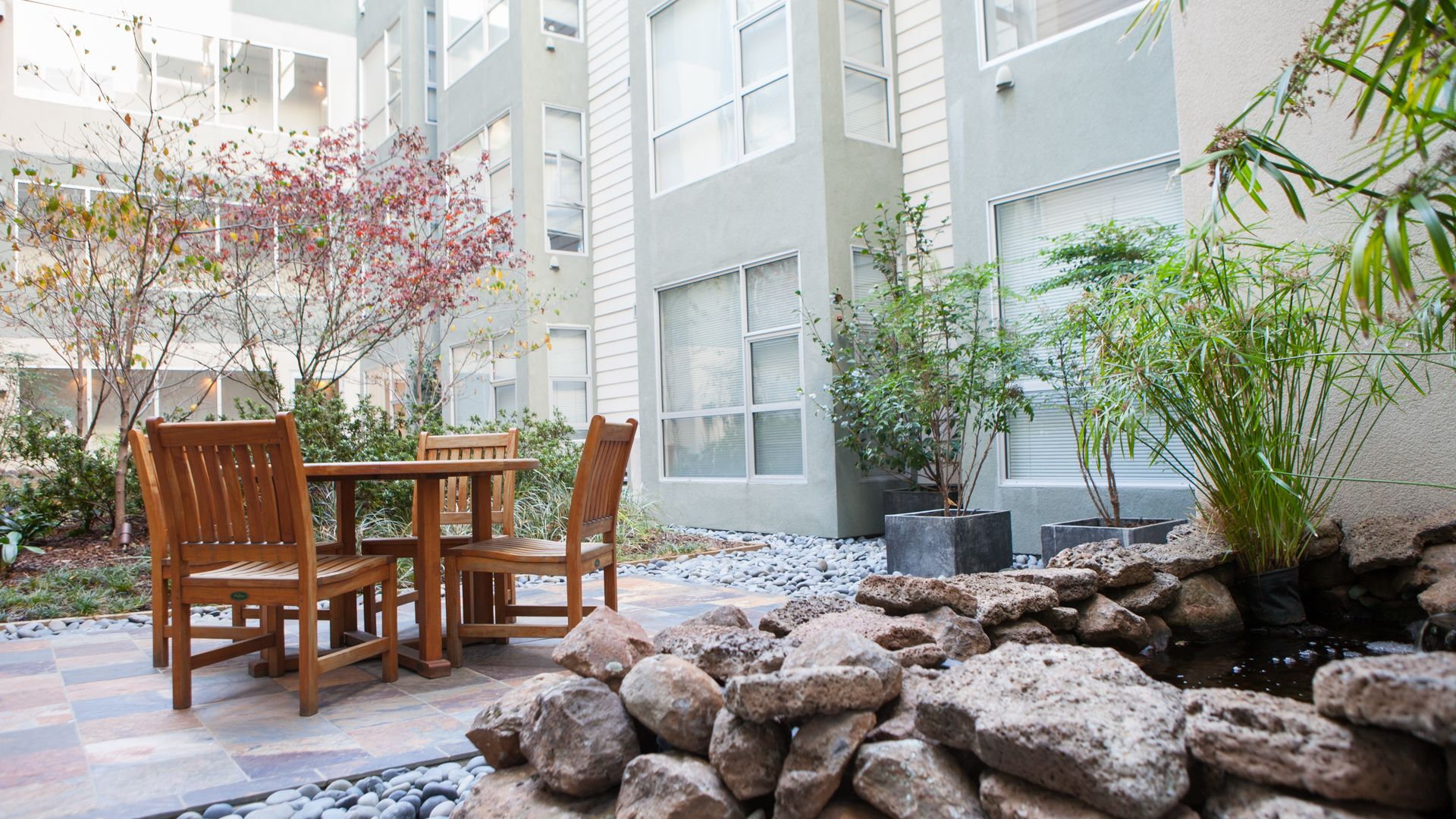 77 Bluxome Apartments - Courtyard