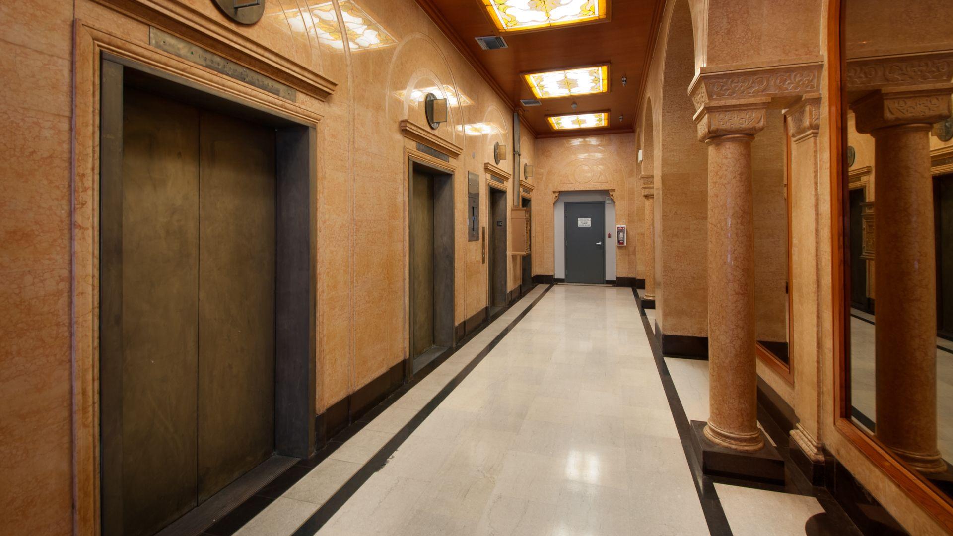 Milano Lofts Apartments - Lobby