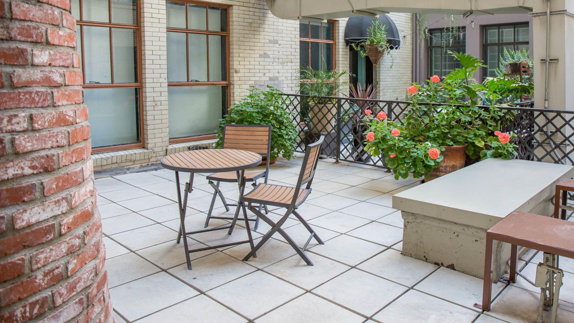 Milano Lofts Apartments - Outdoor