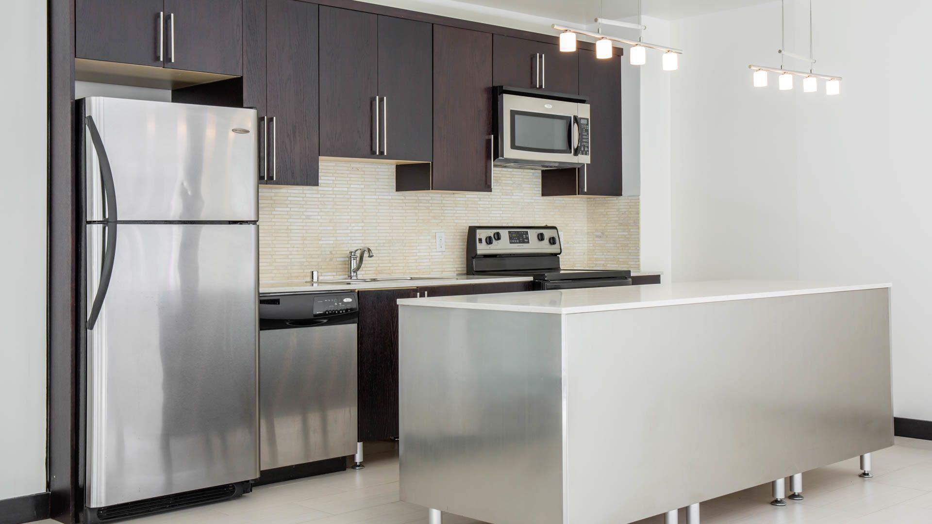 Milano Lofts Apartments - Kitchen
