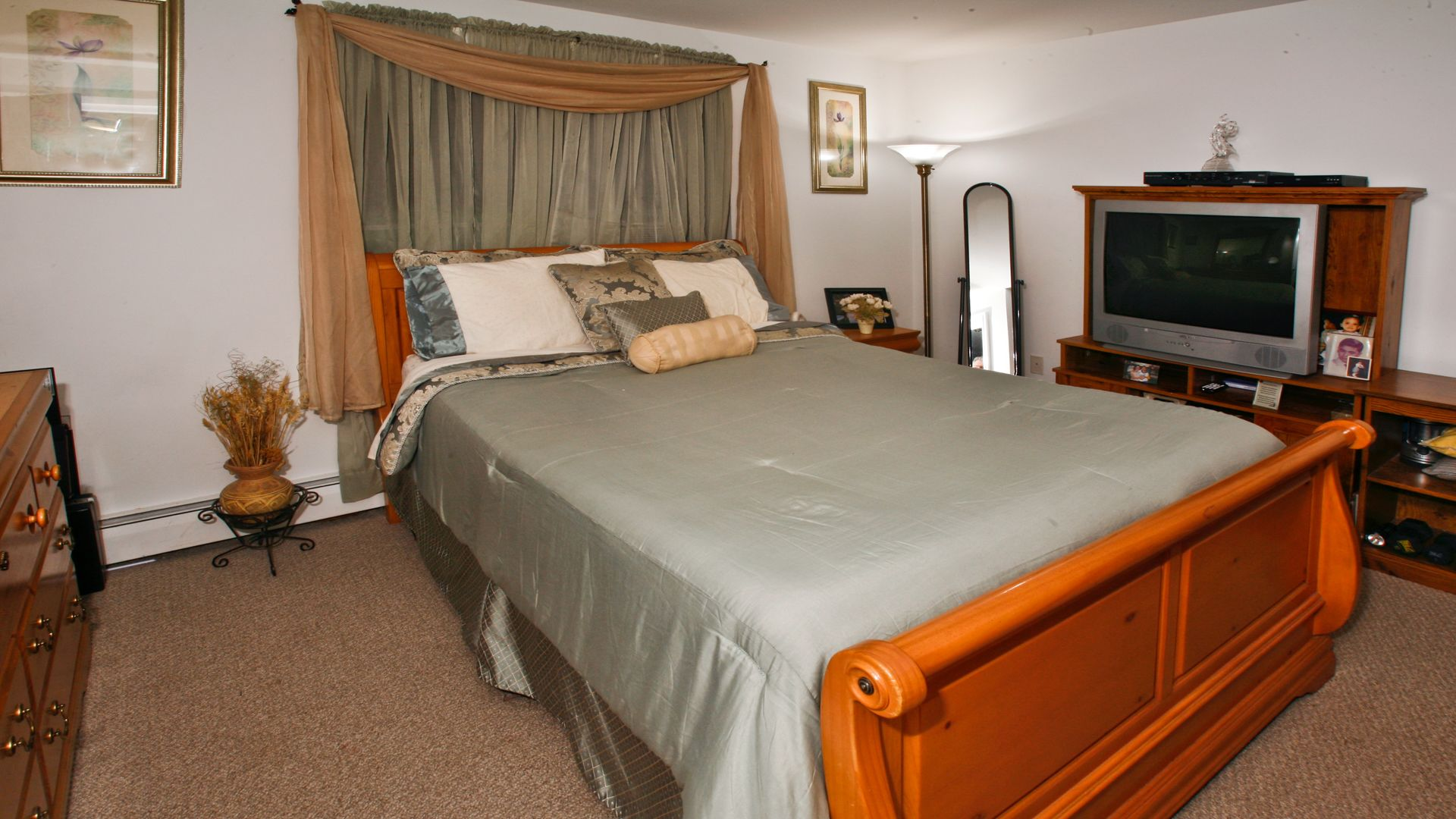 Greenfield Village Apartments - Bedroom