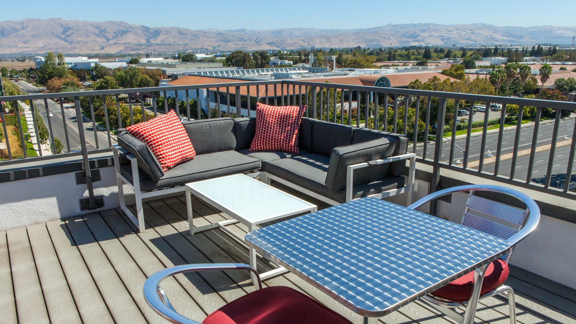 Domain Apartments - Rooftop Deck