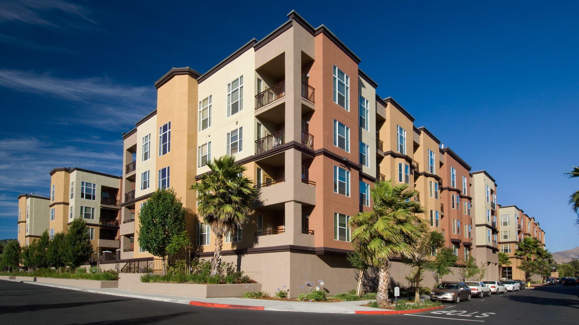 Archstone Fremont Center Apartments - Building