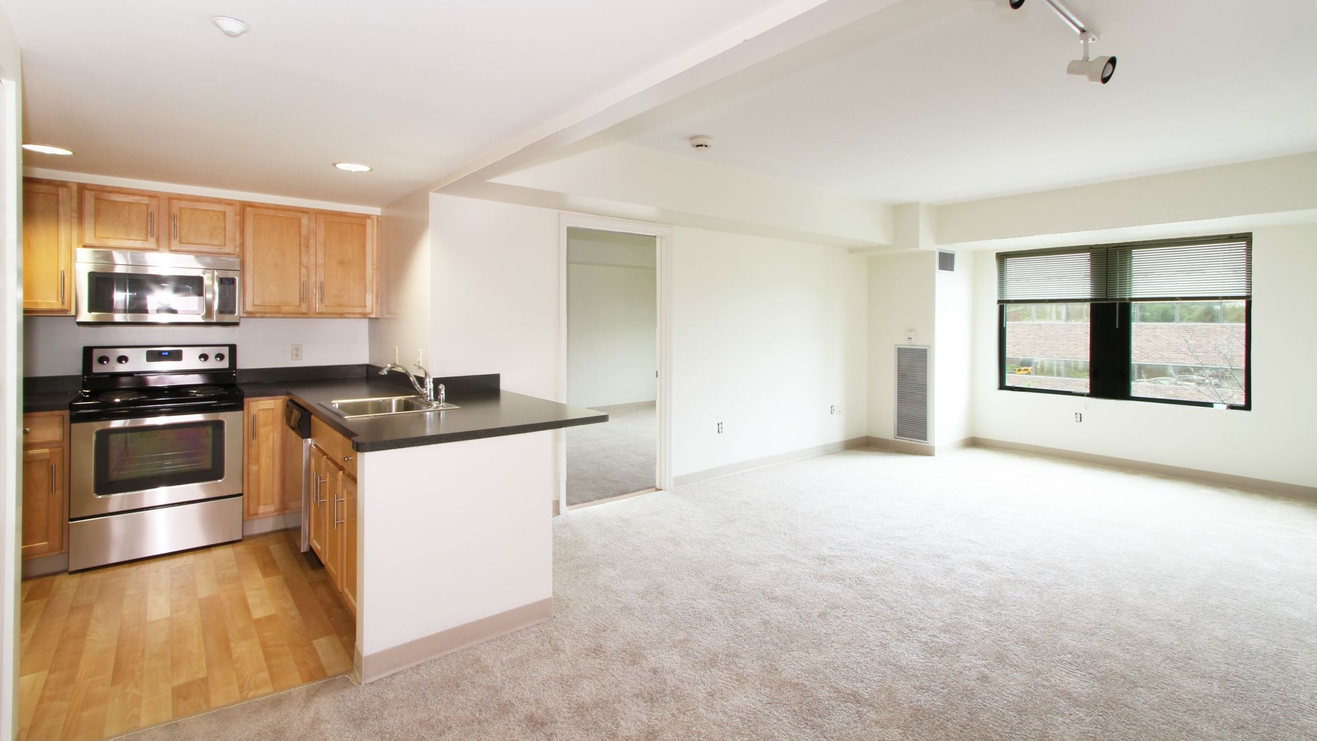 Cambridge Park Apartments - Kitchen and Dining Room