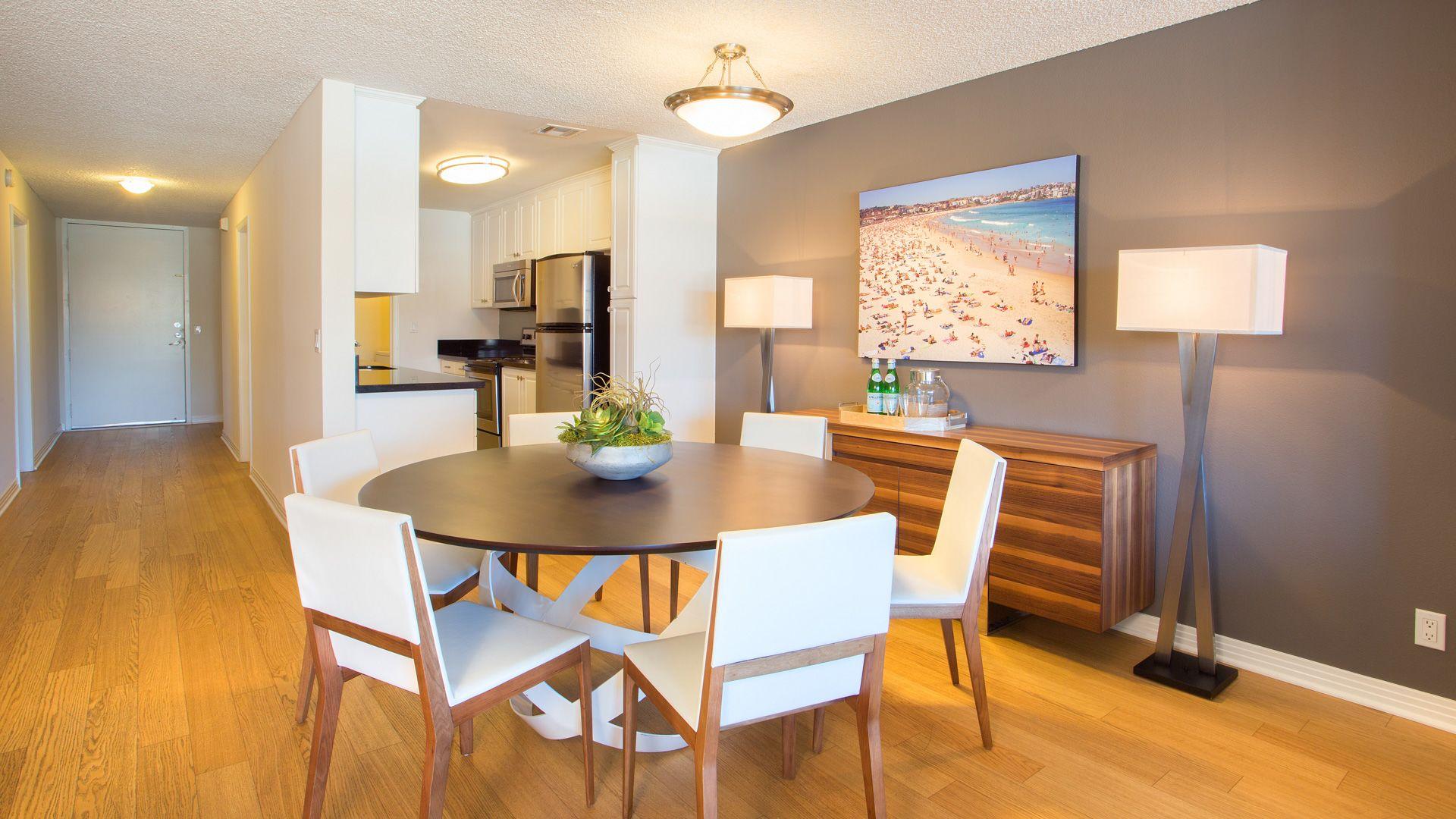 Marina 41 Apartments - Dining Room