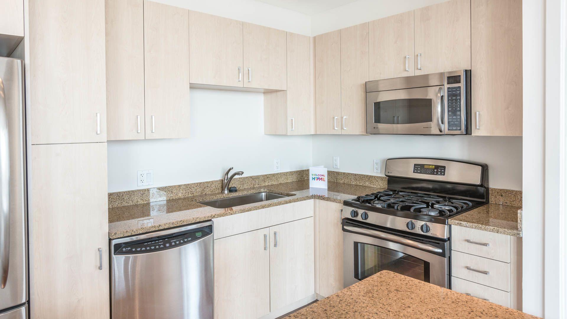 660 Washington Apartments - Kitchen