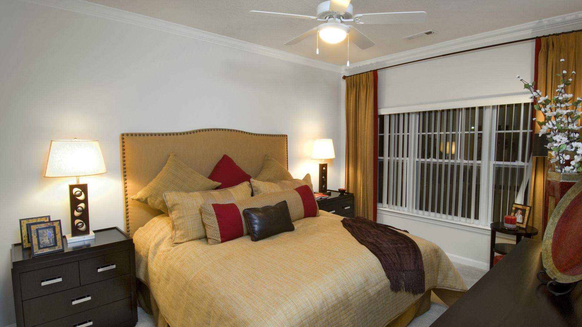 Quarry Hills Apartments - Bedroom