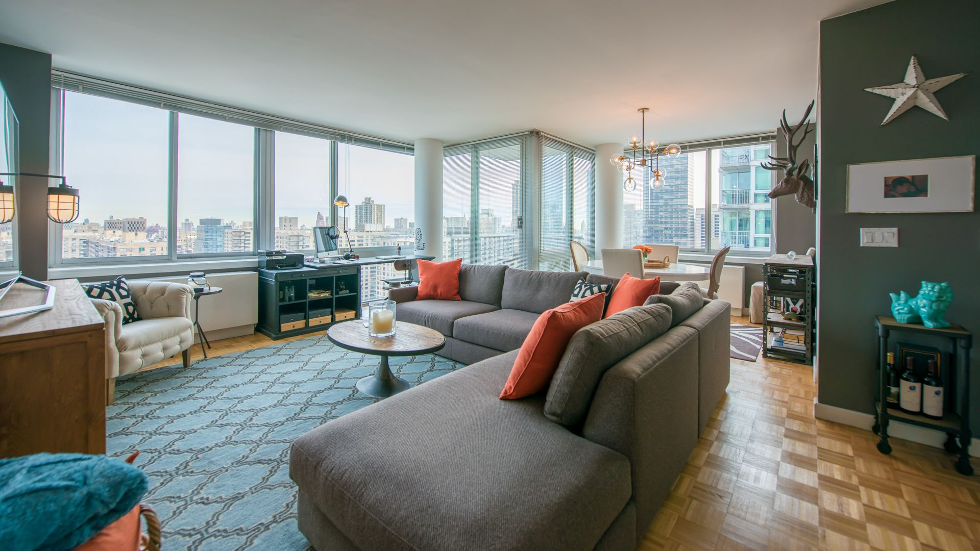 101 West End Apartments - Living Room