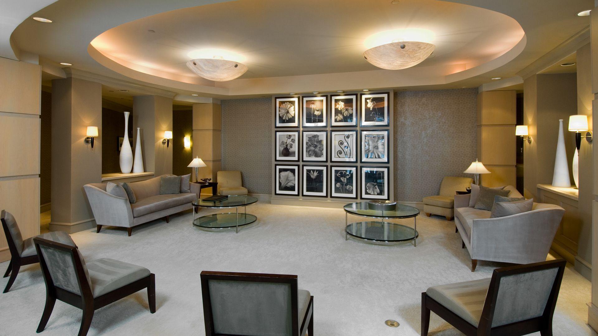 2201 Wilson Apartments Lounge