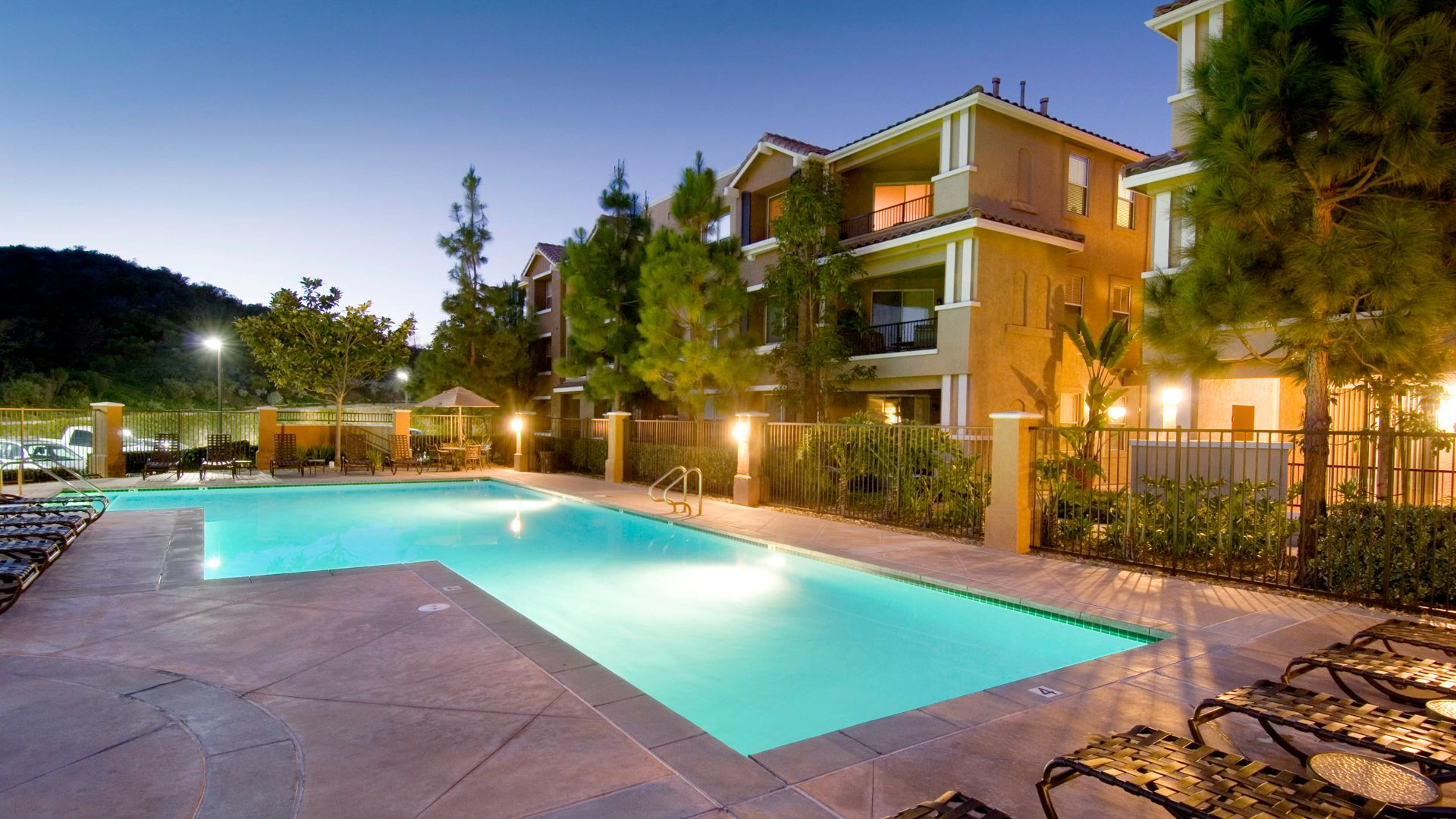 Encinitas Heights Apartments - Swimming Pool