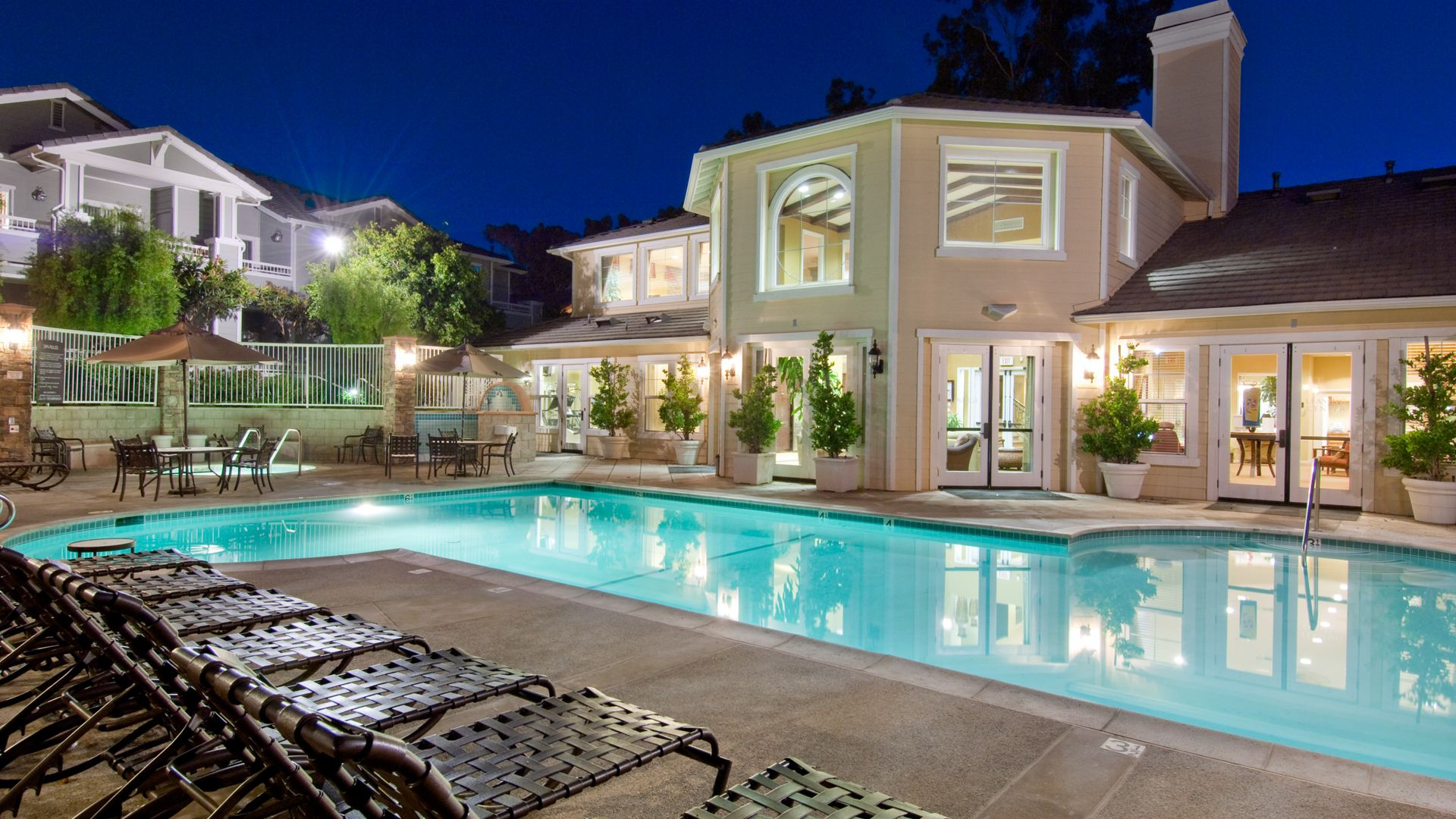 Via Ventura - Swimming Pool