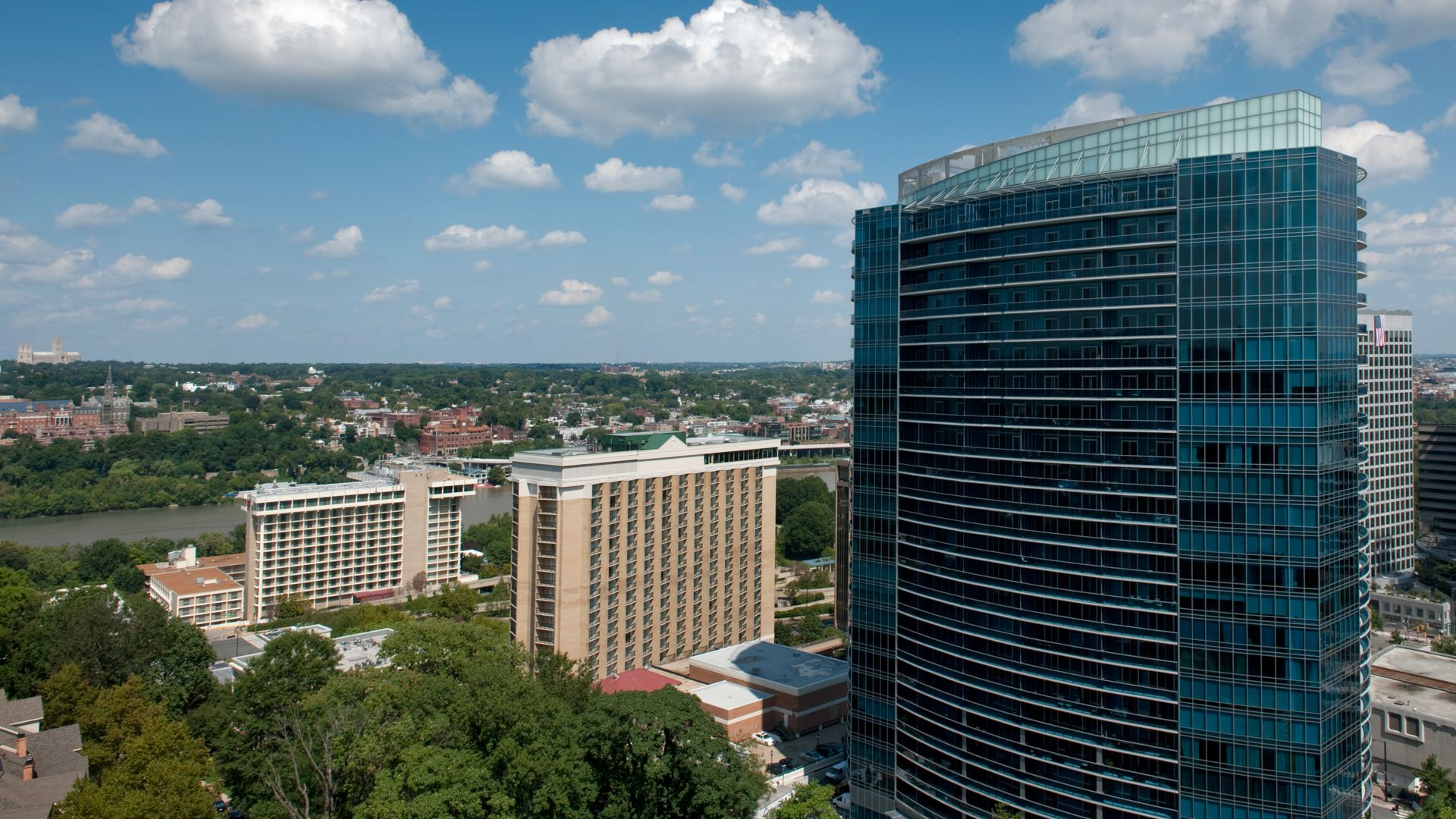 1800 Oak Apartments - Views