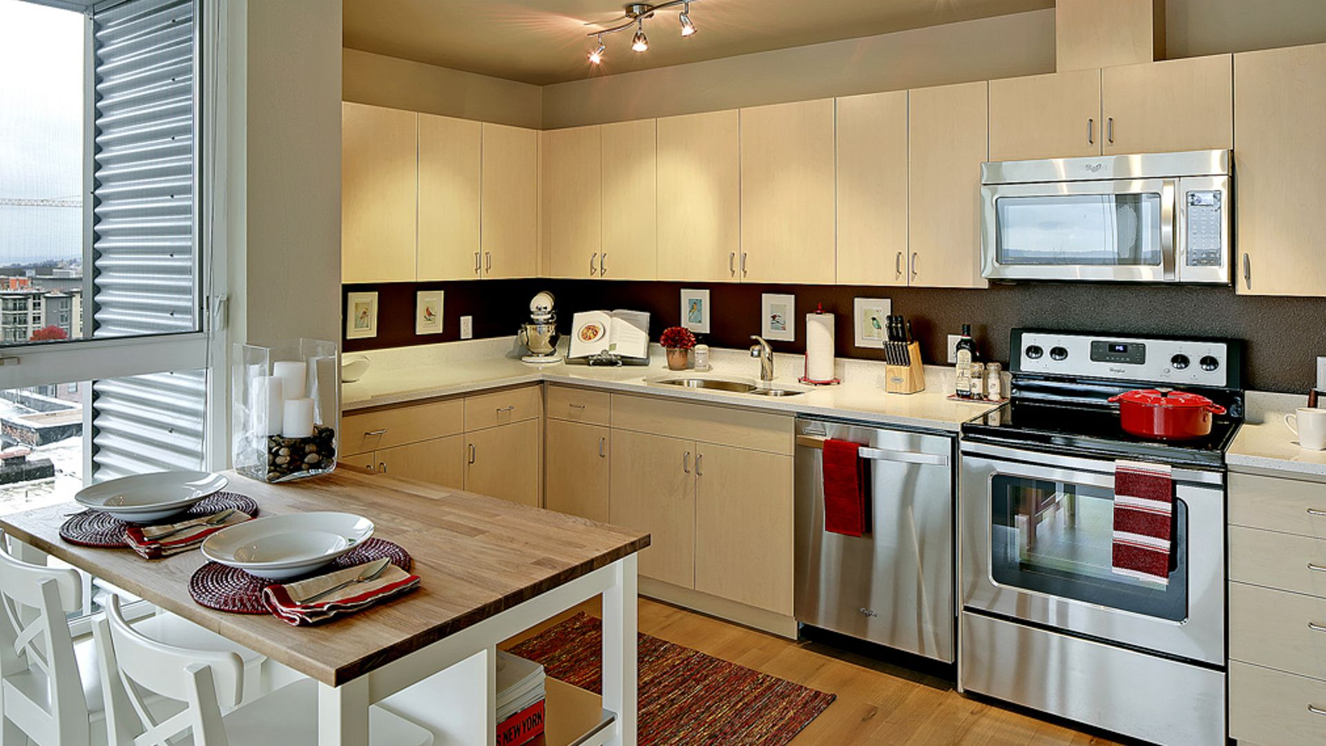 The Pearl Apartments - Kitchen