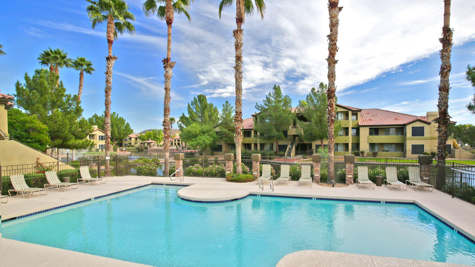 Isle at Arrowhead Ranch Apartments - Swimming Pool