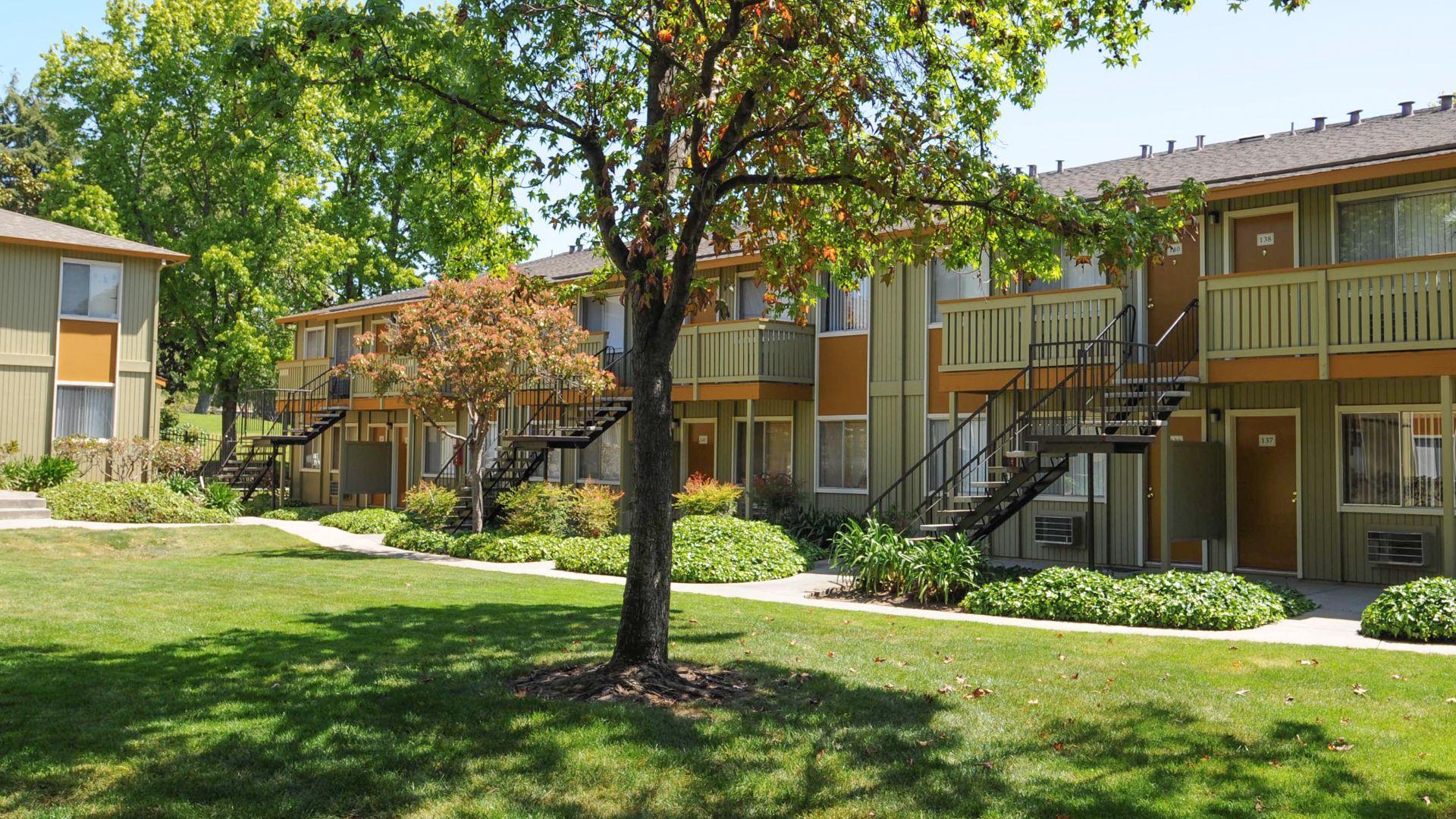Parkside Apartments - Building