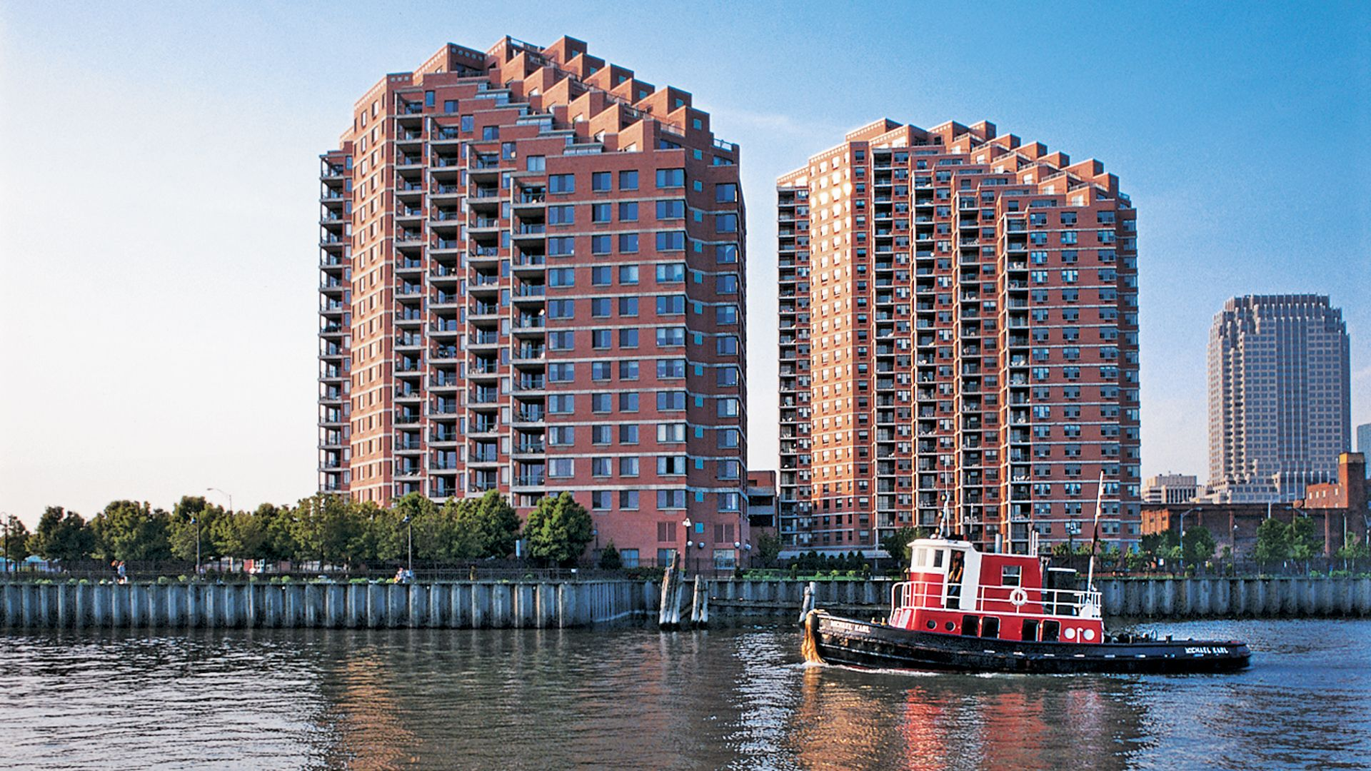 Portside Towers Apartments - Building