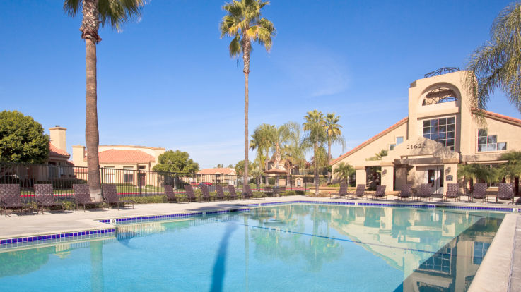 Vista Del Lago Apartments - Swimming Pool