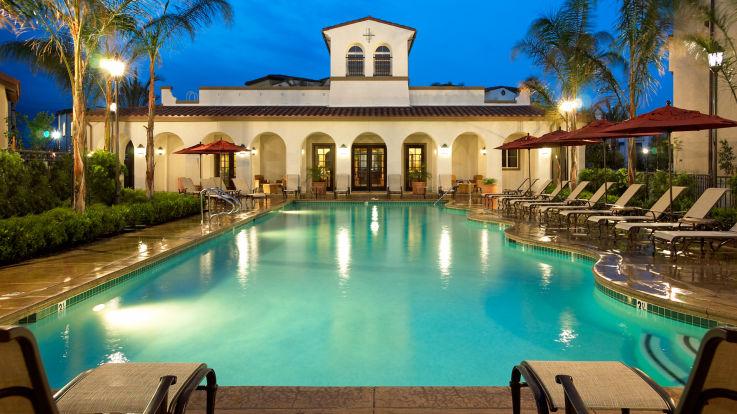 Vintage Apartments - Swimming Pool