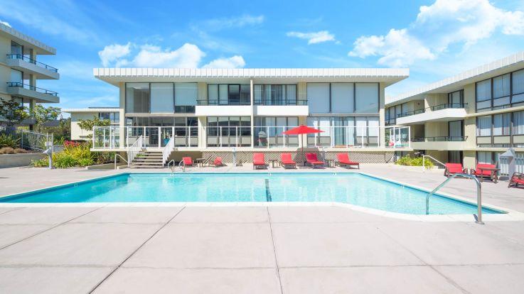 Skyline Terrace Apartments - Swimming Pool
