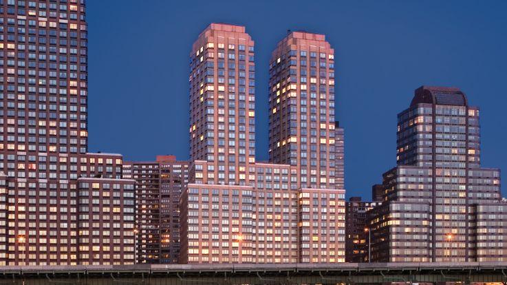 Trump Place 160 Riverside Blvd Apartments Exterior