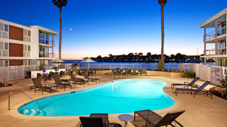 Breakwater at Marina del Rey - Swimming Pool