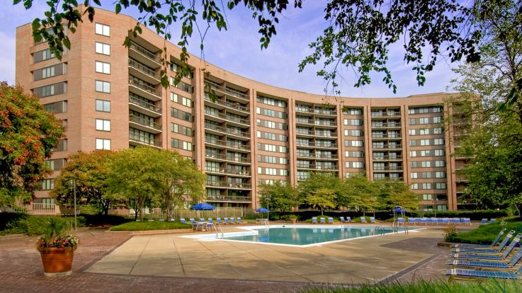 Water Park Towers Apartments - Building