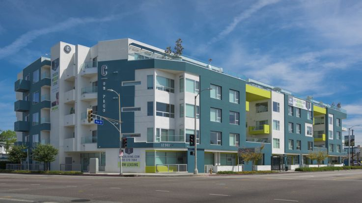 C on Pico Apartments - Exterior