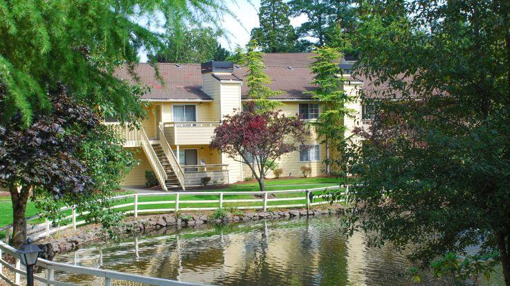 Surrey Downs Apartments - Outdoor