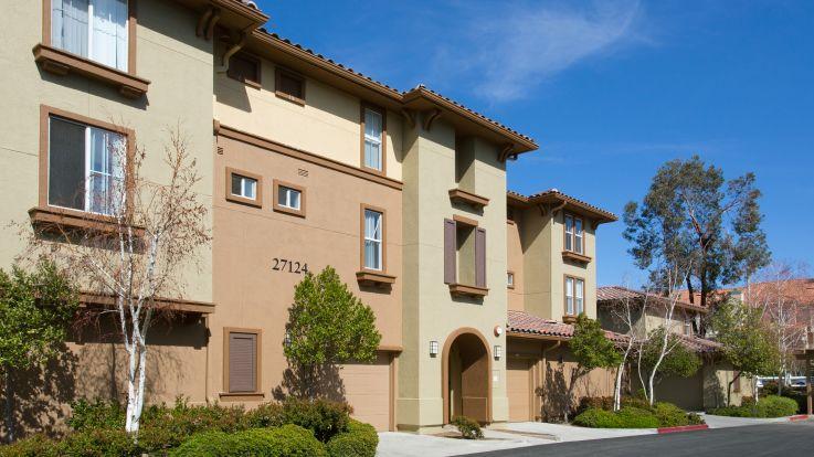 The Oaks Apartments - Exterior