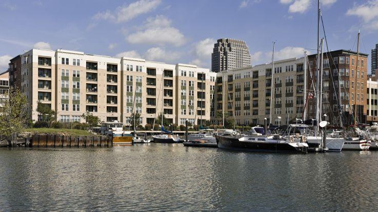 Hudson Point Apartments - Marina
