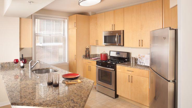 2400 M Apartments - Kitchen