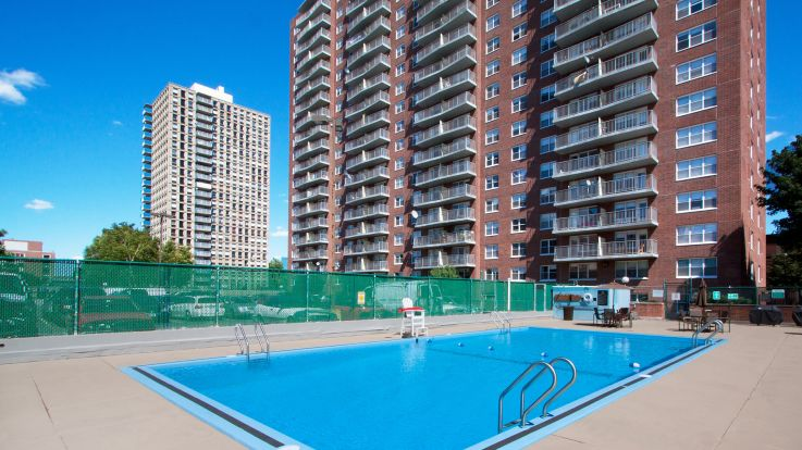 CityView at Longwood Apartments - Swimming Pool