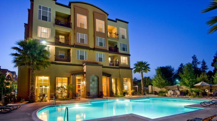 Archstone Fremont Center Apartments - Pool