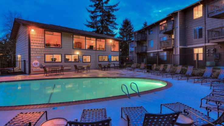 Redmond Court Apartments - Swimming Pool