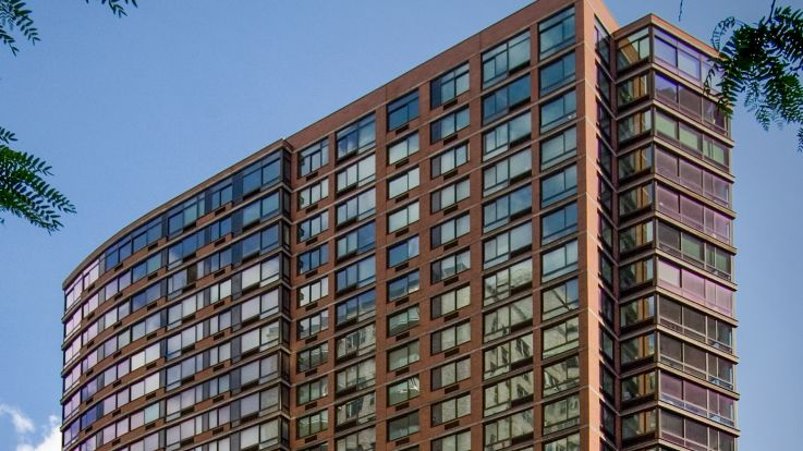 300 East 39th Apartments - Building Exterior