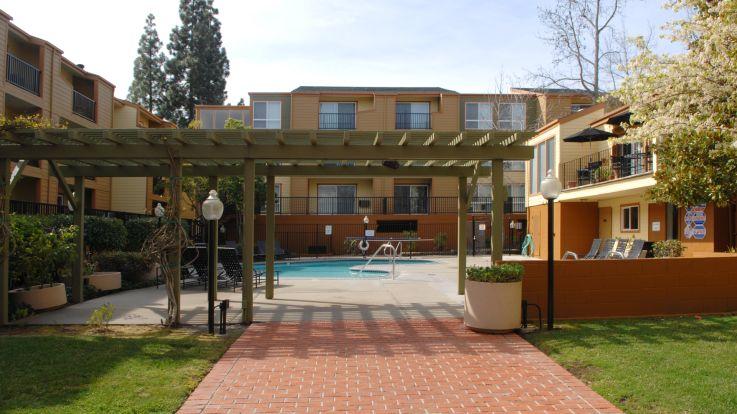 Northridge Apartments - Building