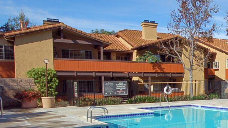 Windridge Apartments - Swimming Pool