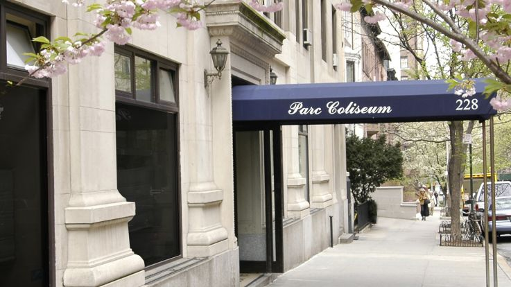 Parc Coliseum Apartments - Entrance