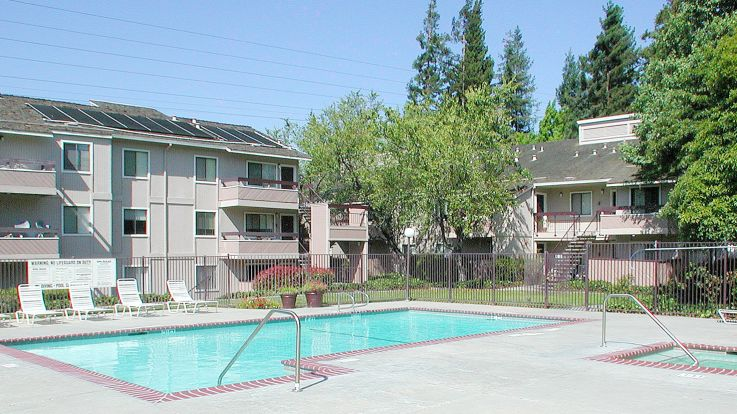 Arbor Terrace Apartments - Pool