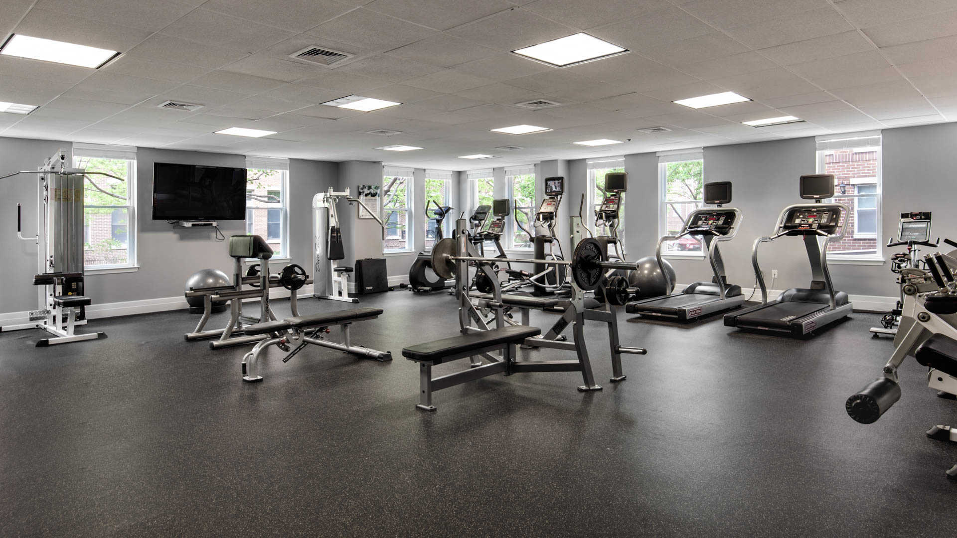 Hudson point apartments fitness center