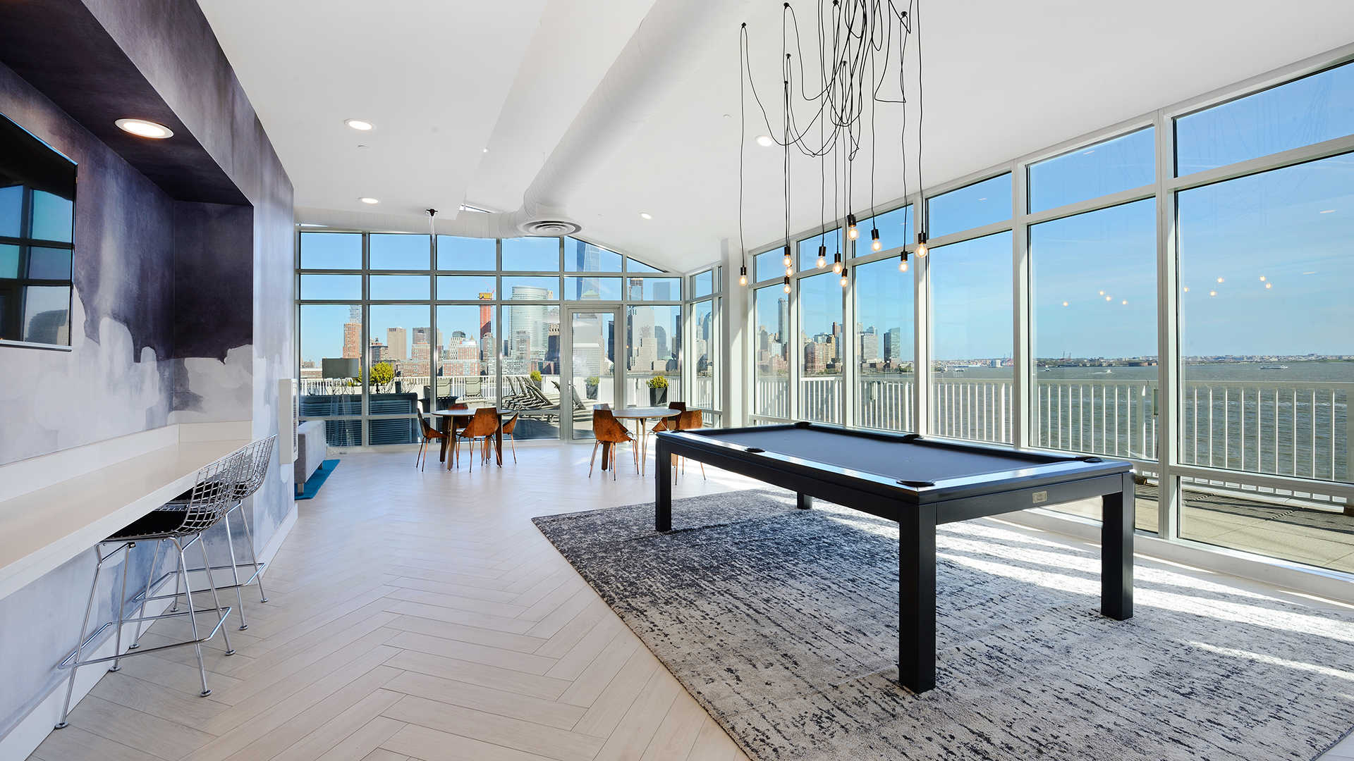 Resident Clubroom with View of Manhattan