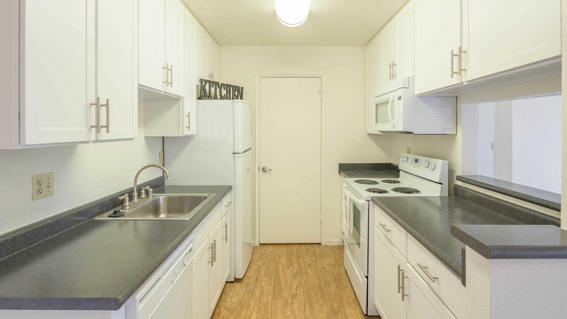Creekside Apartments - San Mateo - 1600 E. Third Avenue ...