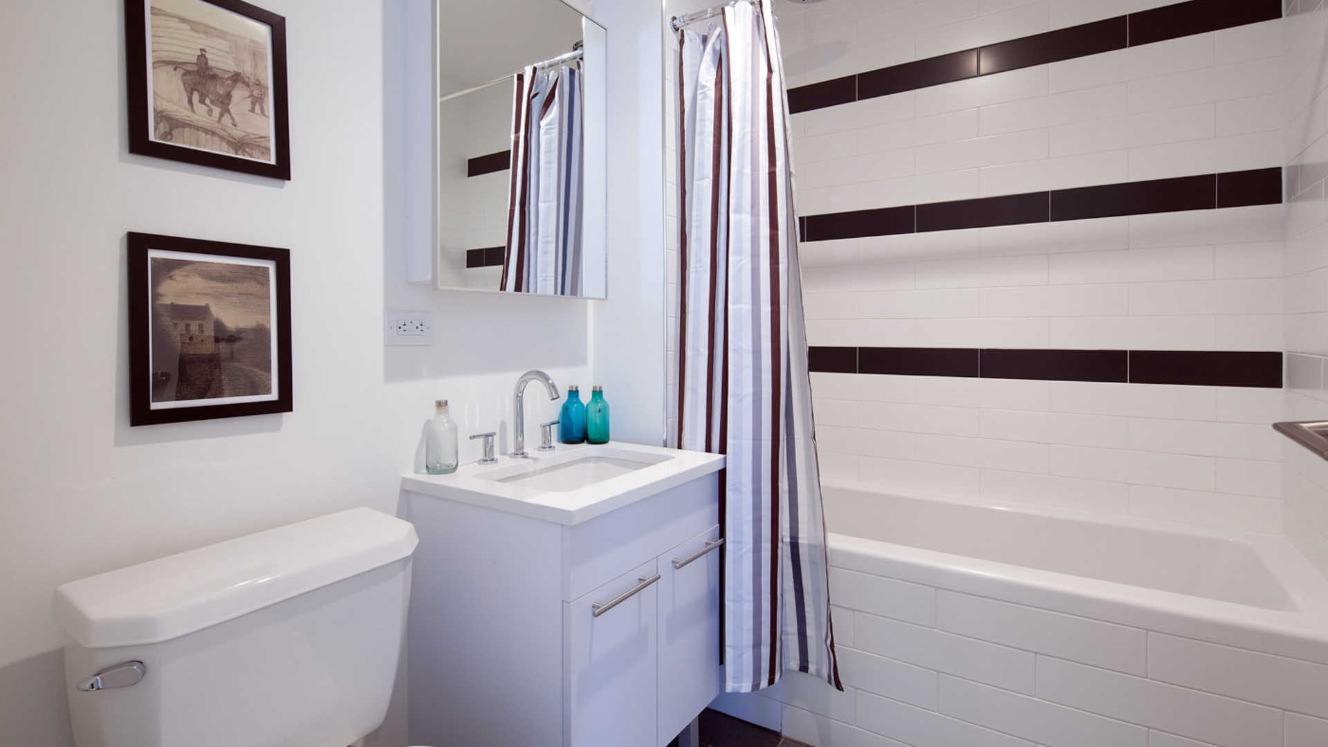 Bathroom with Ceramic Tile
