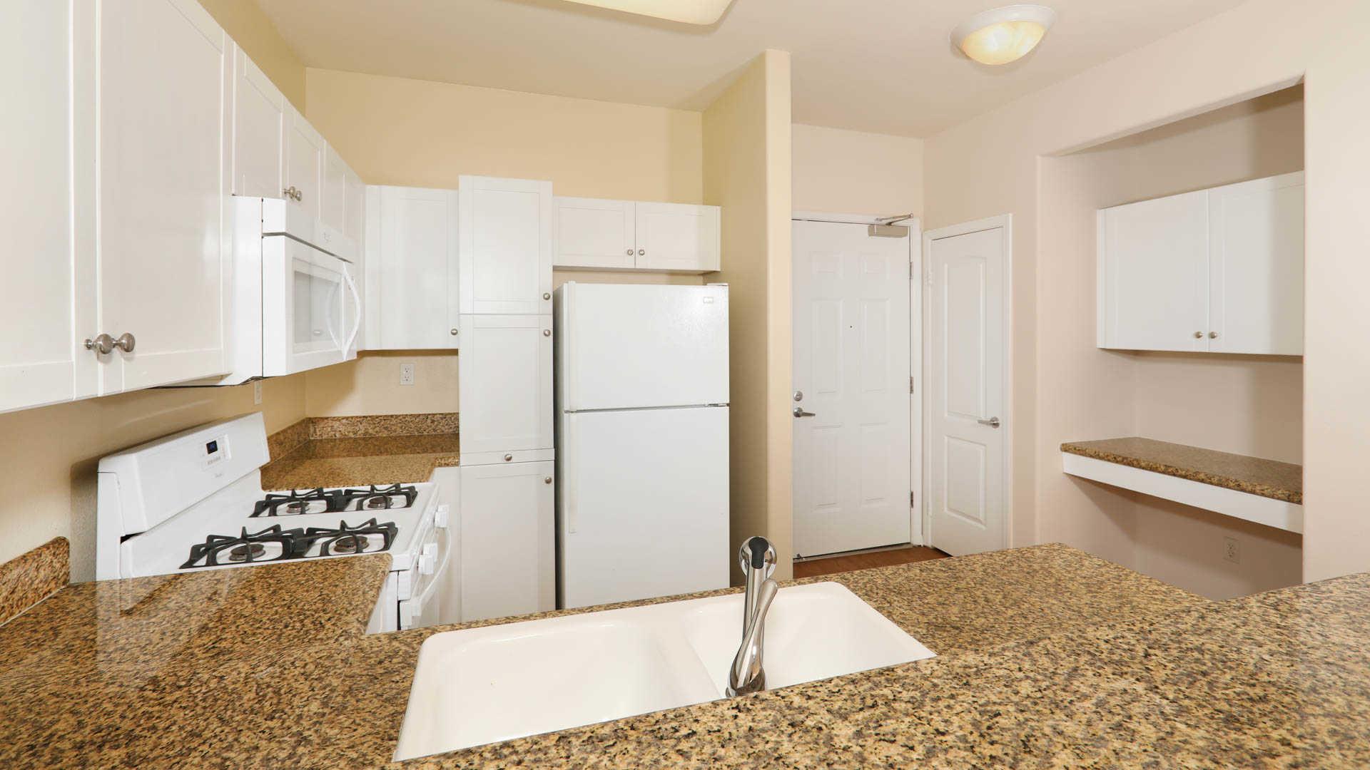 Belle Fontaine Apartments - Marina del Rey - 4077 Glencoe Avenue ...