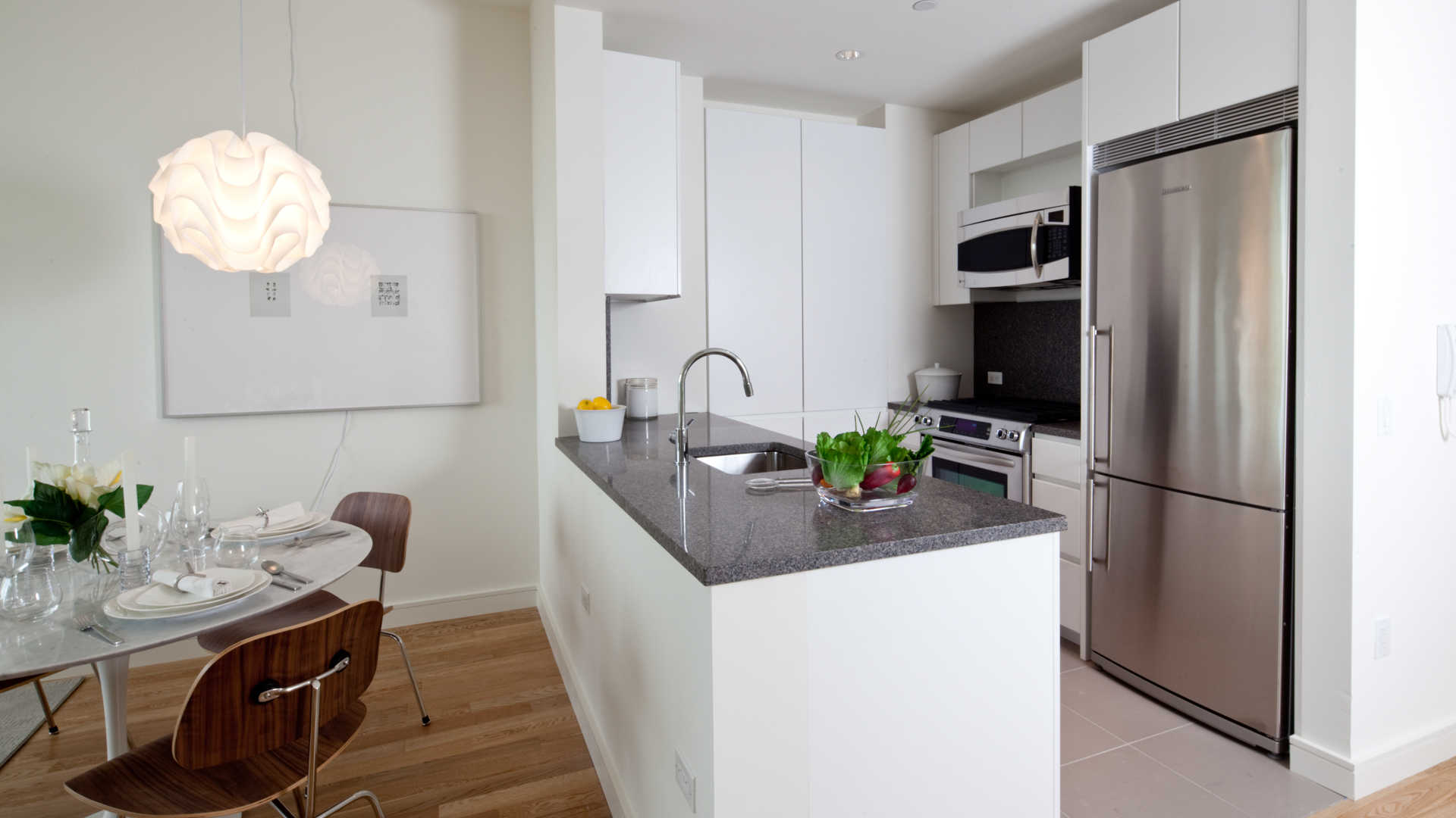 New York Apartments: Chelsea 1 Bedroom Apartment for Rent