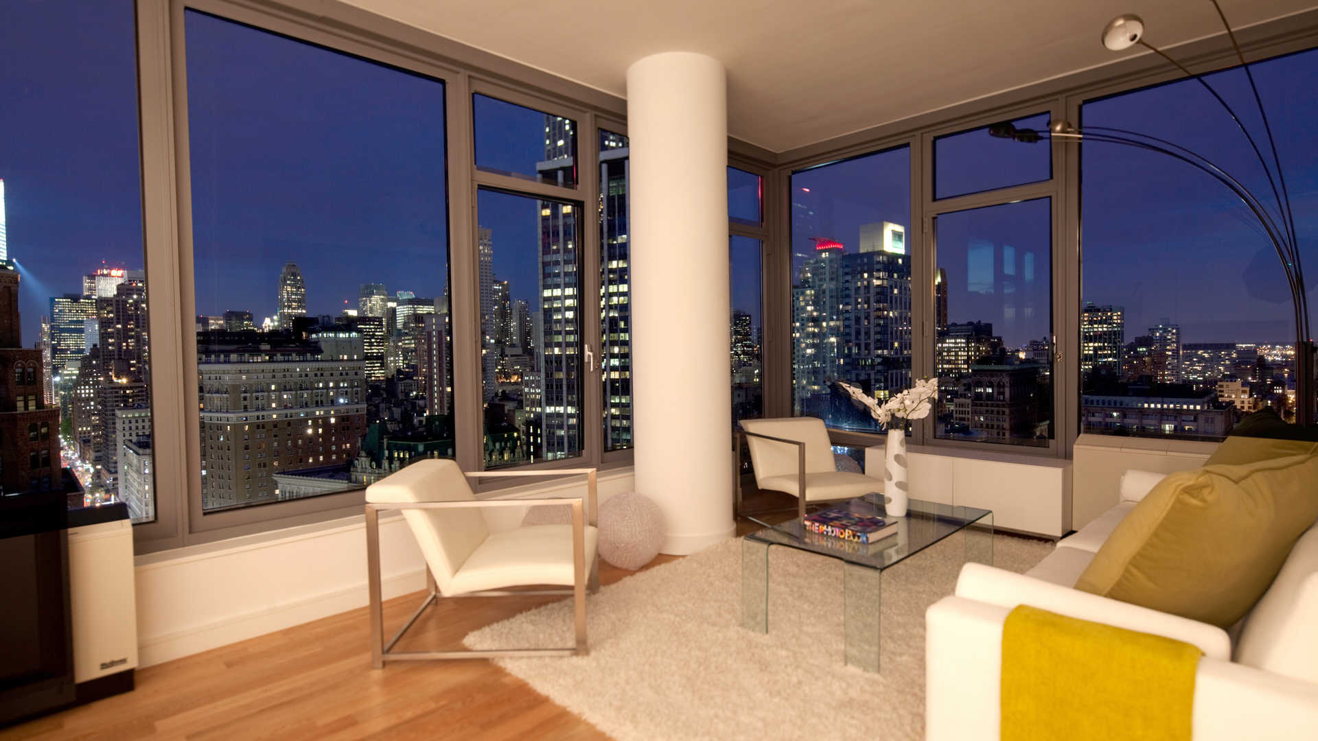 Corner Living Room With City View