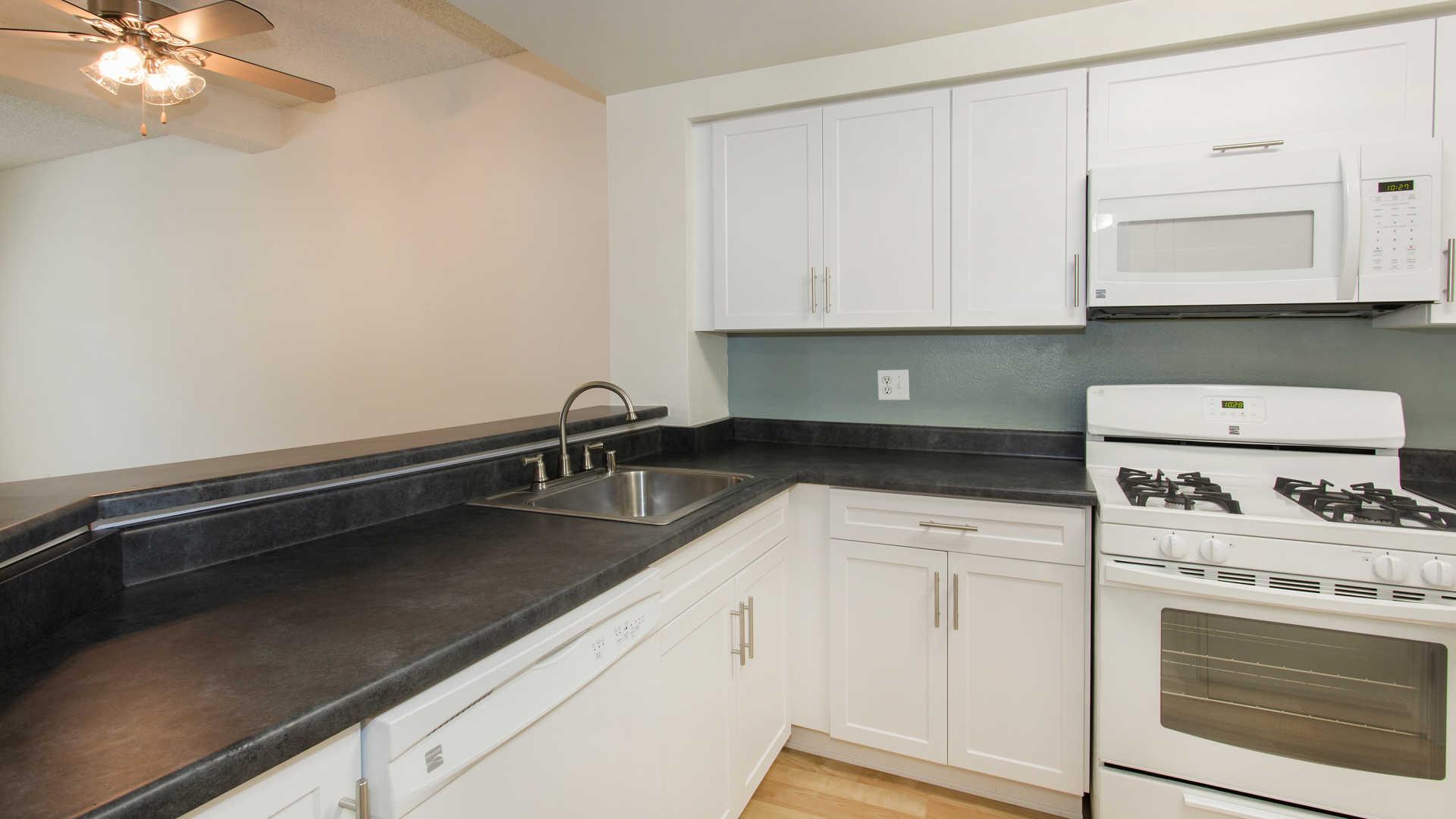 Portofino Apartments - Valencia - 24452 West Valencia Blvd ...