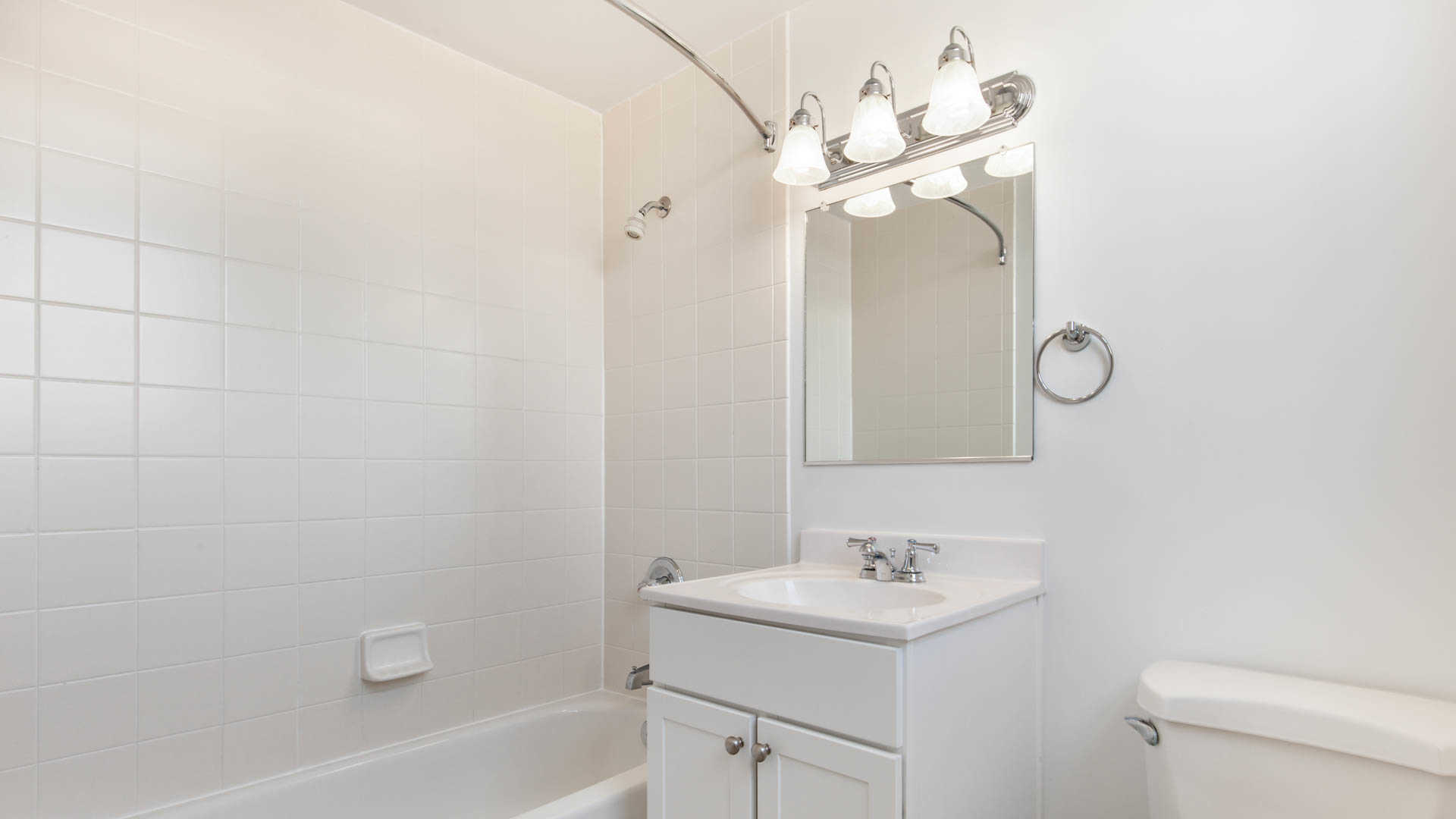 Portside towers apartments bathroom