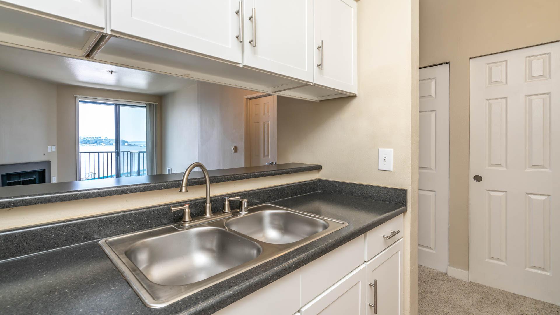 2300 Elliott Apartments - Kitchen